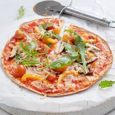 Tortilla Pizza, Tortilla Wraps, Pizza Wraps, Hawaiian Pizza, Vegetable Pizza, Healthy Recipes, Healthy Food, Food And Drink, Tasty