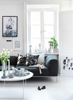 I like this! ..... a lot.......it's so bright and cheery and fresh looking, even though the sofa is black - perfect!