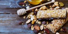 Coconut Almond Energy Bars (packed with antioxidants, fiber, healthy fats, and a slow blood sugar response) - www. Healthy Sweets, Healthy Baking, Healthy Fats, Healthy Snacks, Healthy Protein, Light Recipes, Clean Eating Recipes, Clean Eating Snacks, Energy Snacks
