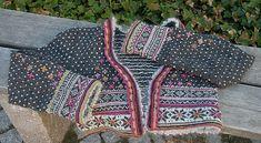 Ravelry: Fritt etter Setesdal pattern by Sidsel J. Textiles, Fair Isle Knitting, Knitting Patterns, Knitting Ideas, Fingerless Gloves, Arm Warmers, Ravelry, Knit Crochet, Crocheting
