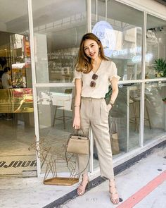 Check Out These Awesome summer korean fashion 9209 Source by fashion idea Korean Summer Outfits, Korean Fashion Summer Casual, Korean Fashion Trends, Asian Fashion, Korean Fashion Work, Korean Style, Casual Work Outfits, Business Casual Outfits, Simple Outfits