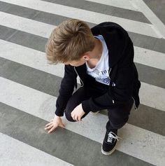 The maze runner aesthetics>>newt Thomas Brodie Sangster, Newt Maze Runner, Maze Runner Thomas, Tv Girls, Boys, Farkle Minkus, Phineas E Ferb, Gangster, Adrien Agreste