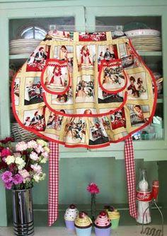 1943 Moms Kitchen half apron