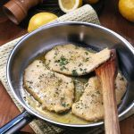 Un secondo piatto di delicata semplicità e sicura bontà. Prova la ricetta delle scaloppine di vitello al limone suggerita da Sale&Pepe.