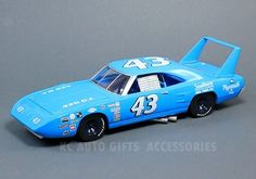 """1970 Richard Petty #43 Plymouth Superbird 1:24 Scale Diecast Model Car by Auto World, AW24002. NASCAR Grand National Series. 1:24 scale model, 9.25"""" long. Hood opens."""