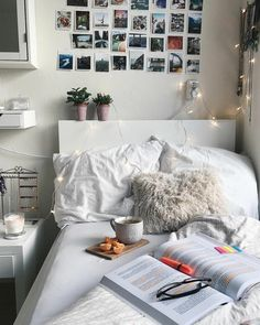 Teen Girl Bedrooms - Most vibrant teenage girl room tips. For other smart teen girl bedroom decor tips why not visit the link to wade through the post example 8447885638 today. Small Room Bedroom, Cozy Bedroom, Trendy Bedroom, Bedroom Colors, Small Rooms, Bedroom Decor, Bedroom Ideas, Fall Bedroom, Master Bedroom