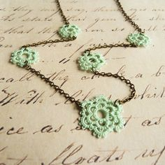 Flower lace necklace - handmade lace jewelry retro wedding boho Victorian vintage inspired Downton Abbey style Mothers from Decoromana on Etsy. Tatting Jewelry, Lace Jewelry, Tatting Lace, Jewelery, Vintage Jewelry, Green Lace, Mint Green, Handmade Necklaces, Handmade Jewelry