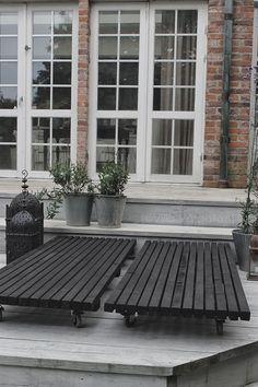 VILLA VÅRGATAN: Nytt DIY-projekt under bar himmel. Beautiful, just roll them wherever you want-sunny or shady. Outdoor Decor, Outdoor Life, Garden Design, House, Diy Outdoor, Outside Living, Outdoor Living, Garden Furniture, Garden Inspiration