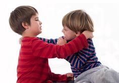 Estrategias para que tus hijos dejen de pegarse - http://madreshoy.com/estrategias-para-que-tus-hijos-dejen-de-pegarse/