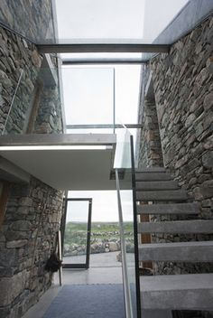 Gallery of Connemara / Peter Legge Associates 15 2019 Connemara / Peter Legge Associates. Glass walls and concrete stairs join the two buildings. The post Gallery of Connemara / Peter Legge Associates 15 2019 appeared first on Architecture Decor. Stone Cottages, Stone Houses, Beach Cottages, Architecture Design, Architecture Ireland, Futuristic Architecture, Beach Houses For Rent, Glass Extension, Concrete Stairs