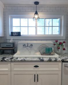 20 everything you need to know about farmhouse sinks farmhouse rh pinterest com