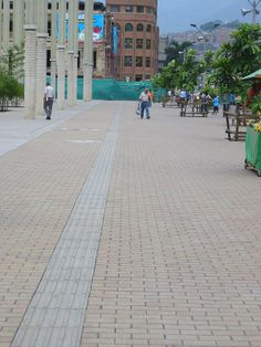 Plaza de la Luz, Cisneros