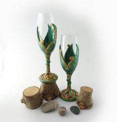Hey, I found this really awesome Etsy listing at https://www.etsy.com/uk/listing/510445820/champagne-flutes-set-of-2-green-gold
