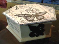 Caja con decoupage, estilo vintage.