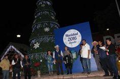 Landa de Matamoros, Qro. 01 de Diciembre de 2016.- El tradicional árbol de Navidad de Landa de Matamoros se iluminó...