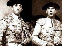 Manolete hace 73 años en su primera corrida con Arruza.