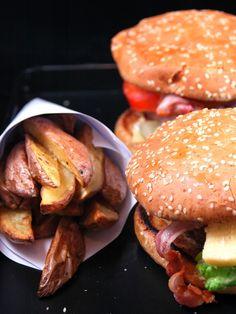 Hamburger au barbecue Burger Mania, Burger Co, Hamburger Recipes, Meat Recipes, Cooking Recipes, Bbq Hamburgers, Barbeque Nation, Cooking Time, I Foods