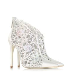 Looking for women's pump shoes? Explore the extensive selection of the most remarkable patent leather, suede, pointed toe, stiletto heels and more creations that will uplift and transform any outfit into a lush stylish statement. Pretty Shoes, Beautiful Shoes, Beautiful Clothes, Winter Wedding Shoes, Winter Weddings, White High Heels, Colorful Heels, Pump Shoes, Women's Shoes