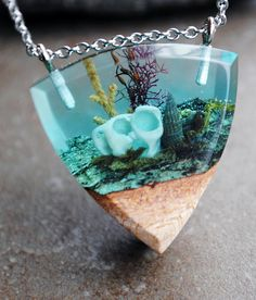 This statement neckl Diy Resin Art, Diy Resin Crafts, Wood Resin, Jewelry Crafts, Green Pendants, Resin Jewelry Making, Mermaid Jewelry, Resin Charms, Resin Casting