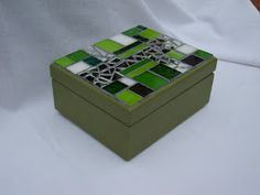 Mosaic Crafts, Mosaic Art, Cigar Boxes, Craft Box, Hobbies And Crafts, Craft Gifts, Great Artists, Stained Glass, Jewelry Box