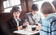 The Rolling Stones - Mick Jagger and Keith Richards with Brian Jones (back to camera) 1967 © Marc Sharratt / Rex, USA Rock N Roll, Rollin Stones, The Rolling Stones, Music Pics, British Rock, British Invasion, Keith Richards, Mick Jagger, My Darling