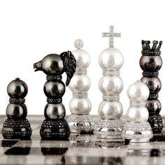 Buzzanca Gioielli. Buzzanca chess-set, pearls, gold, diamonds Statement Jewelry, Pearl Jewelry, Gold Jewelry, Jewelery, Fine Jewelry, Modern Chess Set, Game Room Bar, Kings Game, Chess Players