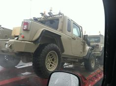 Commando Jeep spotted on Highway Jeep Pickup, Jeep Truck, Jeep Stuff, Guy Stuff, Cummings Diesel, Jeep Mods, Bug Out Vehicle, Cool Jeeps, Expedition Vehicle
