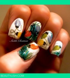Christmas lights nail art manicure holiday