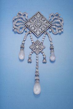 Cartier Paris Garland Style Diamond Pearl Devant de Corsage