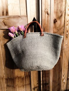 - Handmade solid grey tote - x H. - Sisal - Hand-Sewn Leather Handles - Each piece is unique slight variations are normal greige: interior design ideas and inspiration for the transitional home : Grey Market bags. Woven bad with beige leather handles and Ethnic Bag, Art Bag, Market Baskets, Filet Crochet, Basket Bag, Summer Bags, Knitted Bags, Sisal, Handmade Bags