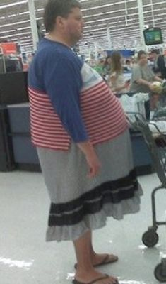 Is this a guy or a gal? I can't tell! Walmart Doesn't Have A Dress Code - Funny Pictures at Walmart