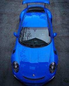 Porsche 991 RS painted in paint to sample Voodoo Blue Photo taken by:… Porsche Sports Car, Porsche Cars, All Lamborghini Models, Lotus Sports Car, Voodoo Blue, Porsche 991 Gt3, Ferdinand Porsche, Ferrari Fxx, Gt3 Rs