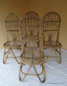 Conjunto de cuatro sillas mimbre. España años 60.