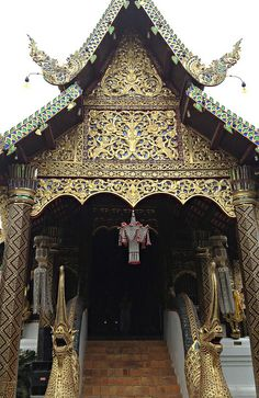 Thai temple patterns