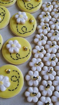Baby Shower Cake Pops Yellow 24 Ideas For 2019 Bee Cookies, Royal Icing Cookies, Sugar Cookies, Fondant Cookies, Oreo Pops, Cake Pops, Baby Shower Cookies, Diy Cake, Cookie Designs