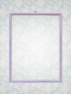 Cornice colorata dipinta con colori della linea Annie Sloan in stile shabby chic.