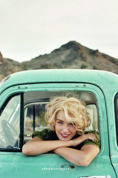 basically my hairstyle, except that mine is brown. And the truck color = LOVE Image Of The Day, Senior Girls, Mode Vintage, Vintage Trucks, Retro Vintage, Her Hair, Rockabilly, Portrait Photography, Teen Photography