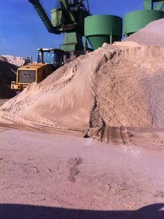 We need Gravel and Sand suppliers on the East cost. Send an Email at info@gravelshop.com.