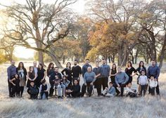 big family picture ideas | Large family Photoshoot ideas