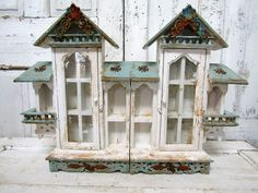 Vintage distressed wood wall or table display case distressed and aged painted white and shabby cottage verde green anita spero design Wall Display Case, Wood Display, Distressed Wood Wall, Weathered Wood, Shabby Home, Shabby Cottage, Goth Home Decor, Paint Cans, How To Distress Wood