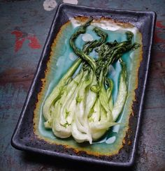 Light Kimchi - sounds like an interesting variation from the classic red one with paprika. Gourmet Festival, Korean Bbq, Fermented Foods, Asian Recipes, Pickles, Asparagus, Nom Nom, Cabbage, Vegan