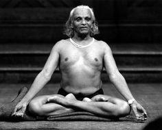 BKS Iyengar in Lotus