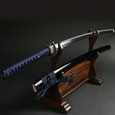 All about Katana (Japanese Samurai Sword) with the extensive information and beautiful photos. The ultimate weapon for cutting with soul of samurai. Kendo, Samurai Swords Katana, Samurai Art, Japanese Blades, Japanese Sword, Swords And Daggers, Knives And Swords, Martial Arts Equipment, Armas Ninja
