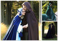 Lange cape zoals Morgana Pendragon draagt in de Britse fantasy- en avonturenserie 'Merlin' waarin de legende van Koning Arthur verteld wordt. De kortere versie kan ook door mannen gedragen worden.