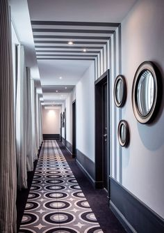 Hotel Des Cures Marines – Picture gallery - New Deko Sites Design Entrée, Flur Design, House Design, Interior Design, Design Ideas, Hotel Hallway, Hotel Corridor, Hotel Room Design, Lobby Design