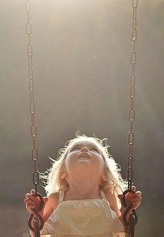 Ideas children photography girls beautiful pictures angles for 2019 Children Photography, Family Photography, Portrait Photography, Sweets Photography, Photography Ideas Kids, Toddler Girl Photography, Swing Photography, Infant Photography, Perspective Photography