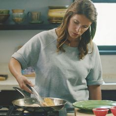 Deglaze | A Chef's Life - How-To's with Chef Vivian Howard | Le Creuset
