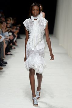 Sweet white outfit from #NinaRicci in #ParisFashionWeek #SpringSummer2014
