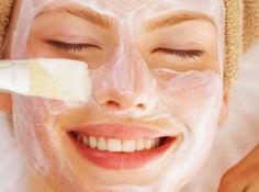 En este artículo te diremos los excelentes beneficios que tiene para la cara usar esta mascarilla de bicarbonato de sodio y limón, el bicarbonato y el limón poseen propiedades medicinales excelentes para la piel. Todas o las mayorías de las mascarillas para la cara contienen bicarbonato de sodio, así que no dejes de leer como