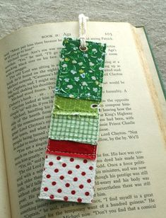 bookmarks from scraps of cotton fabric sewn onto watercolor paper. The back of the bookmark is a single piece of fabric that coordinates with the front pieces. - See more at: http://etsyitemoftheday.com/fabric-bookmark/#sthash.27ZQmSit.dpuf